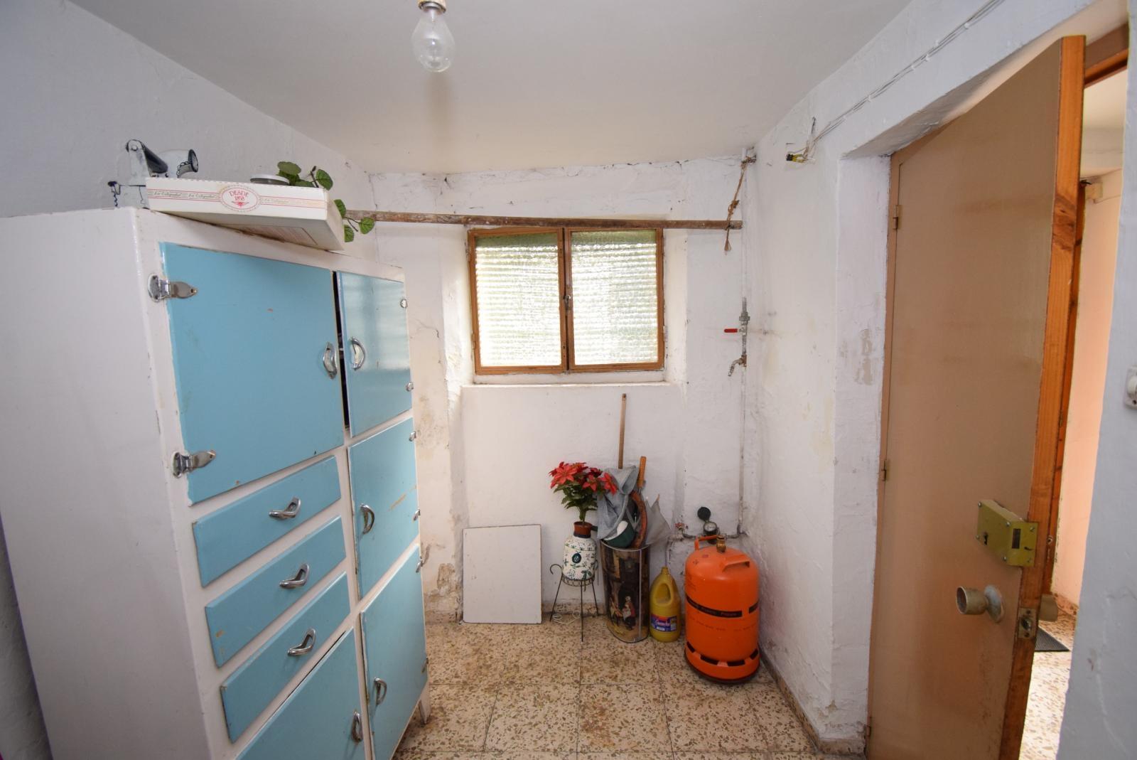 Talo myynnissä läsnä Alhama de Granada