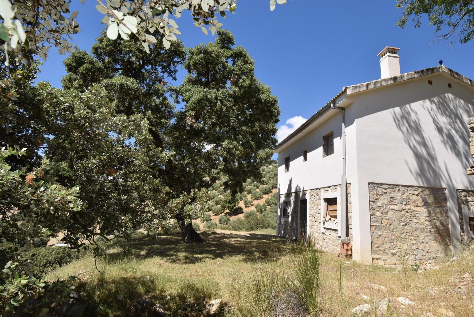 MONTEFRIO, UNFINISHED COUNTRY HOUSE IN a SECLUDED BEAUTIFUL SPOT