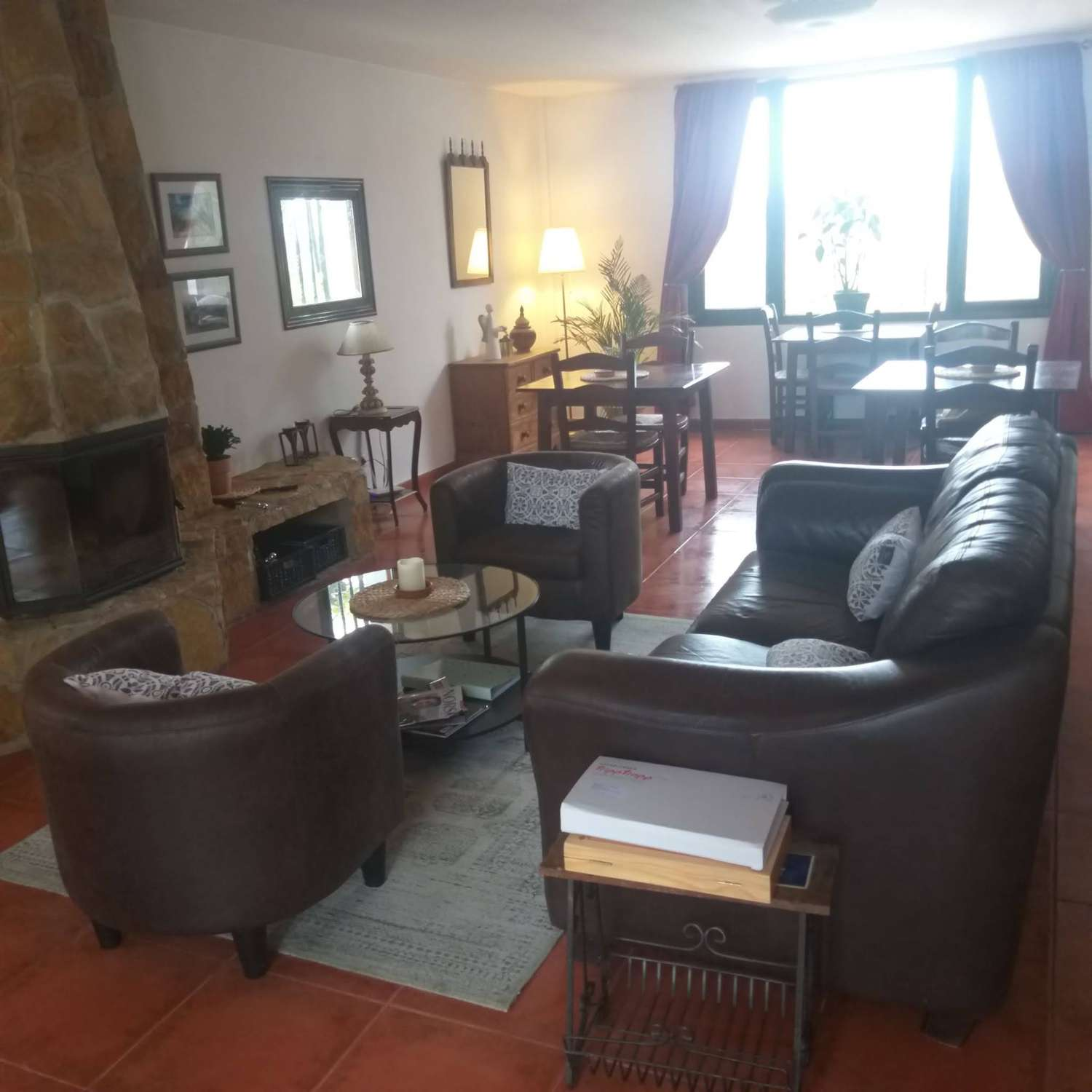 FANTASTIC COUNTRY HOUSE WITH SEPARATE GUEST HOUSE AND STUNNING VIEWS