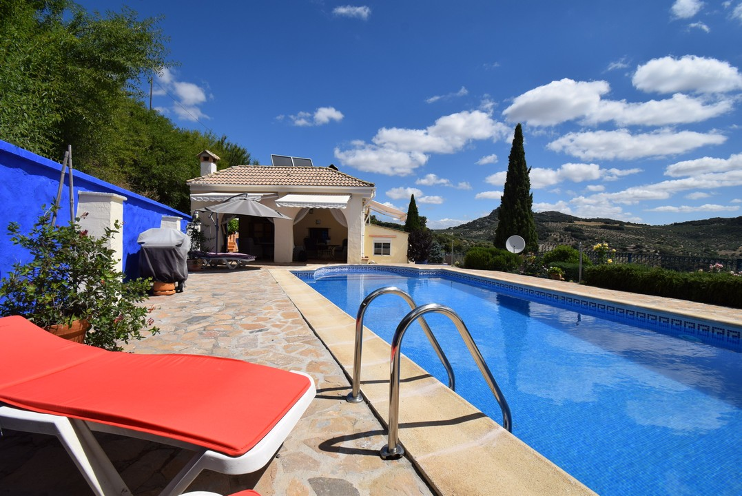 FANTASTIC ANDALUSIAN COUNTRY HOME WITH SPECTACULAR VIEWS
